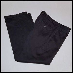 Like New Dockers Signature D2 34 x 30 Black